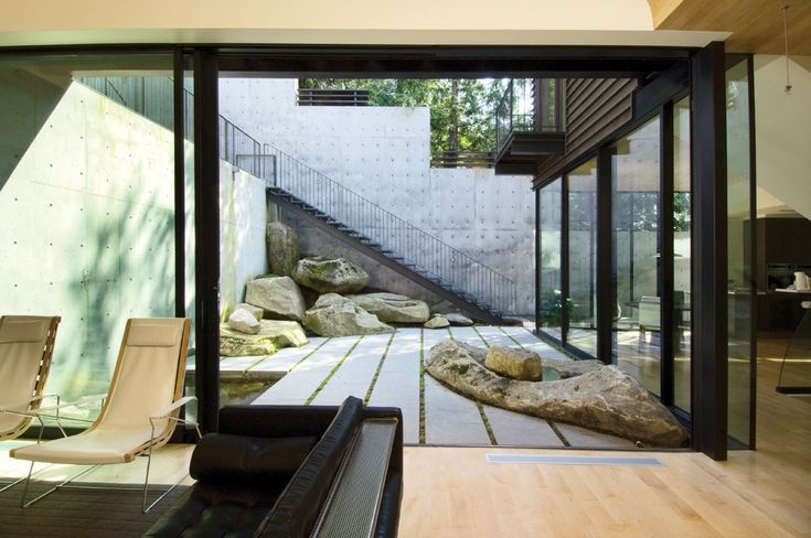 Courtyard House on a Steep Site,©  Alan Abramowitz