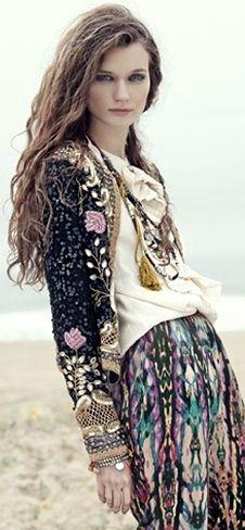 Pretty boho look! Women's fall fashion clothing outfit