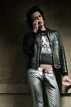 Scott Weiland as Sid Vicious