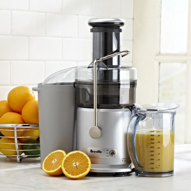 Get into the world of juicing with this no nonsense dual-speed juicer. Mix your favourite blends or experiment with new concoctions quickly and with ease!