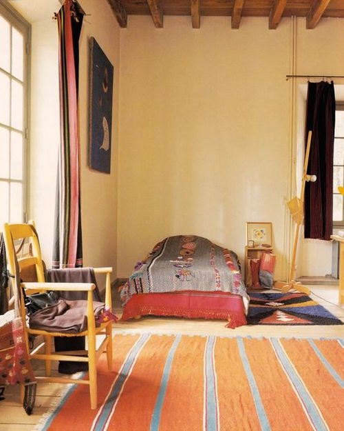 Calder's bedroom- simple and cozy.