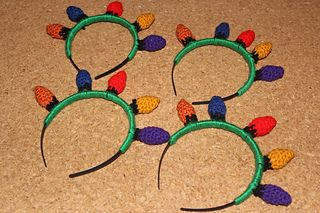 This is a tutorial for a headband topped with crocheted lightbulbs. These are perfect for holiday season photoshoots or to add a bit of festiveness of Christmas morning. It is easily adjustable and uses a small amount of yarn. Gauge is not important for this project, so it makes for a quick and easy stashbusting project.