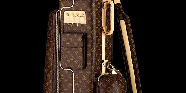 Estilo: Bolsa de Golfe Louis Vuitton  http://www.facebook.com/pautadeluxo.br  Praticantes de golfe conhecem a importância de contar com acessórios de excelente qualidade, que sejam funcionais e que não deixam de lado o estilo e a sofisticação.
