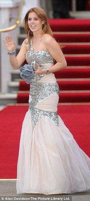 Princess Beatrice wearing a sequin gown by Rachel Gilbert at the Queen's pre-wedding gala dinner. #RoyalWedding
