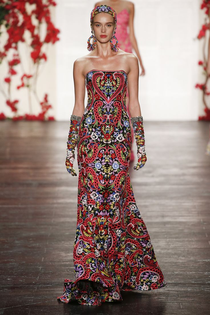 Naeem Khan Spring 2016. See every look on Vogue.com