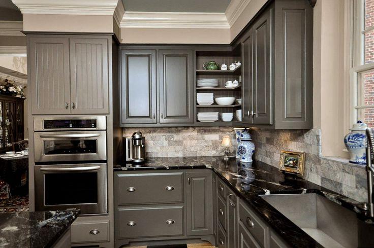 Серый интерьер кухни