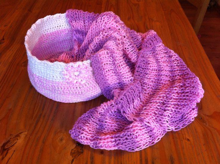 Manta palillo y cesta crochet... Otro gift con cariño