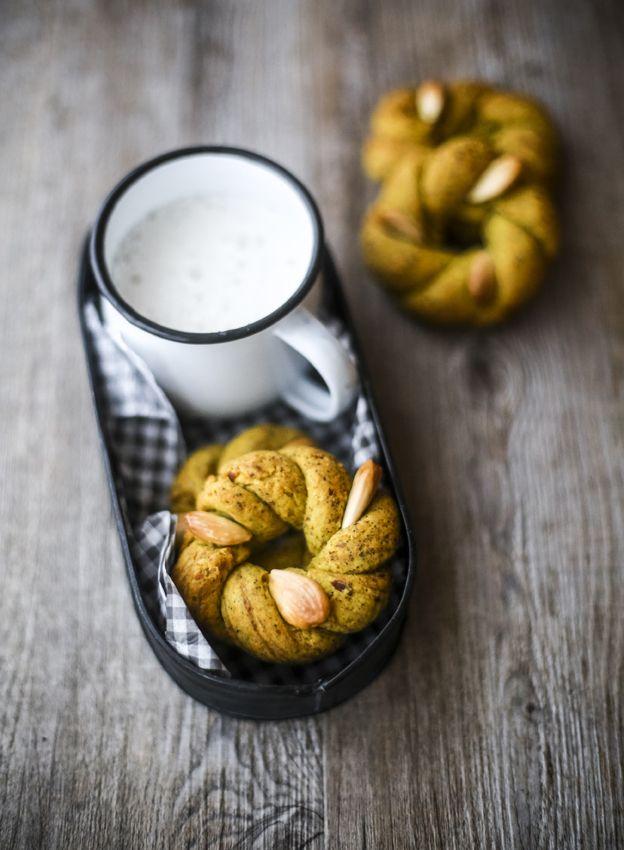 Vaniglia, storie di cucina: taralli sugna e pepe alla curcuma