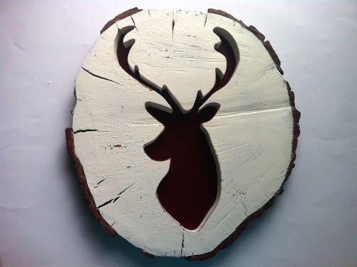 Testa di cervo sulla fetta tronco personalizzato di sierra pianeta su DaWanda.com