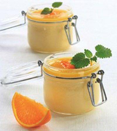 Denne sukkerfrie appelsinfromasjen kan like gjerneerstatte lørdagsgodteriene som den kan serveres til søndagsmiddagen eller nytes som en LCHF (low carb high fat) mandagsfrokost. Gyllen og full av …