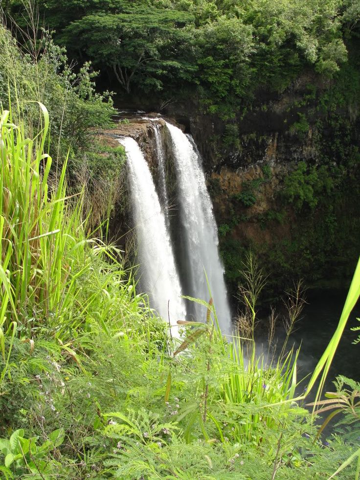 Remember Fantasy Island? These are the falls that are shown at the beginning of the program. From Kawaii in the Hawaiin Islands.