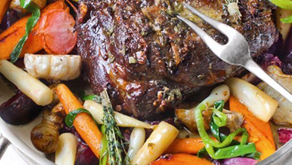 Húskedvelők előnyben; a vadhús elkészítése soha nem a legegyszerűbb feladat, de egyszer mindent érdemes kipróbálni. Horváth Gábor séf egyben sült vaddisznónyak receptje igazán ízletes lehet.