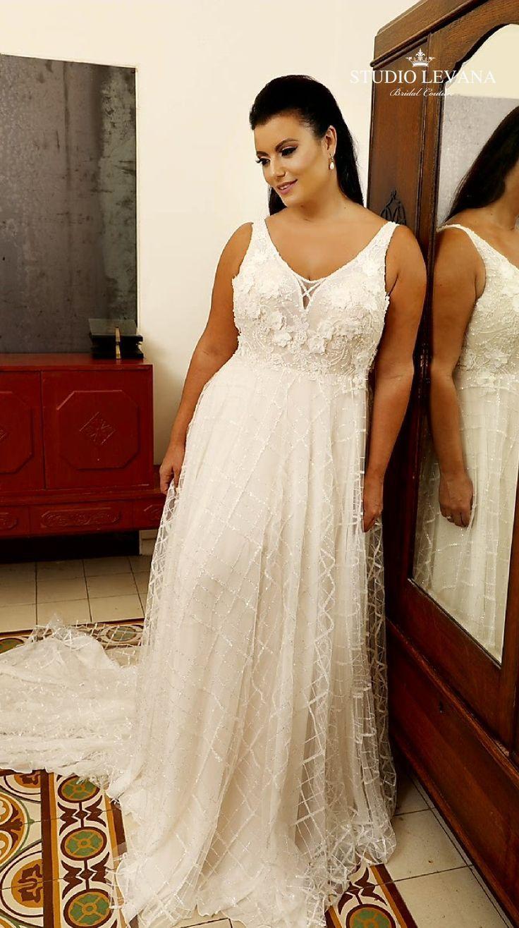Beautiful Unique Plus Size Blush Bridal Gown With Sparkly Tulle And 3d Flower Ap Plus Size Wedding Guest Dresses Wedding Flower Girl Dresses Blush Bridal Gowns [ 1316 x 736 Pixel ]