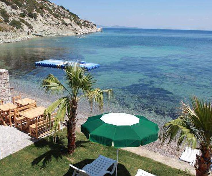 Bugün Karaburun'da TaşAda Otel'de güne merhaba diyoruz.  Dünyada güneşin en güzel battığı #İzmir'in ve dolunayın en güzel doğduğu #doğa cenneti #Karaburun'un sakin ve güzel koyu #Mimoza'da sevgiyle inşa edilen ve ailece işletilen otelde, konuklar aile samimiyeti ile ağırlanıyor.  www.kucukoteller.com.tr/tas-ada-hotel-karaburun ☎️ 0232-7312060