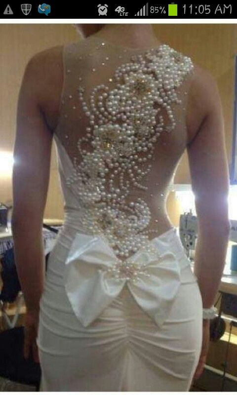 What a nice back for a wedding dress