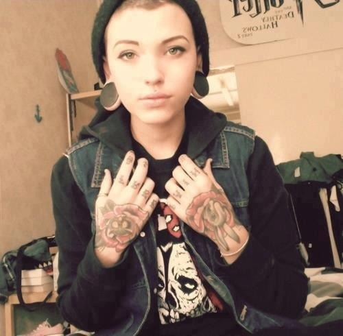 Tattoo Fixers Psychobilly Girl Punk: 1000+ Images About Stretched Ears On Pinterest