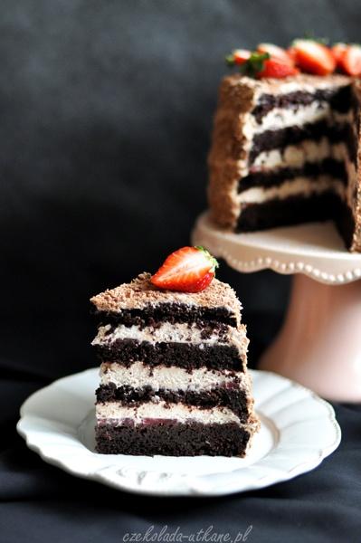 Chocolate cake with fresh strawberries.