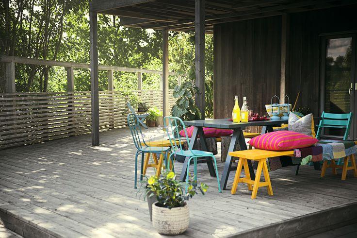 Cuprinols dörr - och fönsterfärg är perfekt för att måla om utomhusmöbler