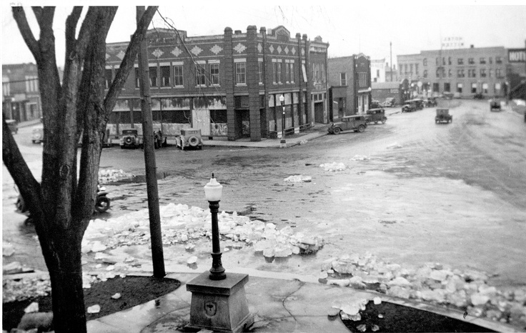 The 1935 Wisconsin Rapids flood. Check out the really neat