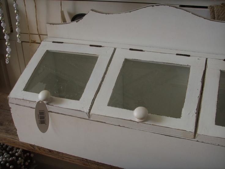 Brocante gruttersbak 3 vaks met glazen deksels