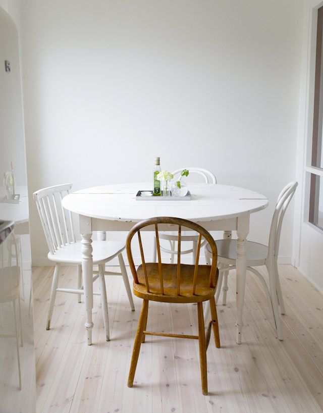 my scandinavian home: A charming, small swedish home in white and pastels