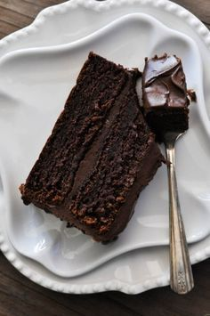 This Wellesley Fudge Cake #recipe inspires me to want to grab a half gallon of milk and dig in!!!