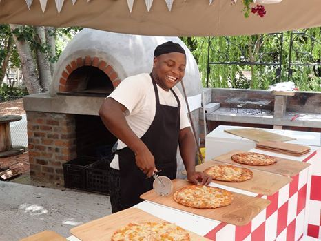 Mom, for the best pizzas together with the most magical place to play, gather your little ones and join us for a little R&R at Lekke Neh. Afterall by mid-week, don't you feel as though you need a break?