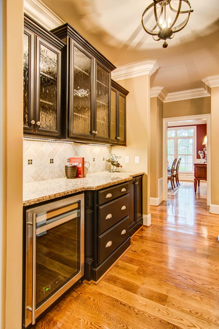 Marsh kitchens glass front doors marsh kitchens and - Marsh kitchen cabinets ...