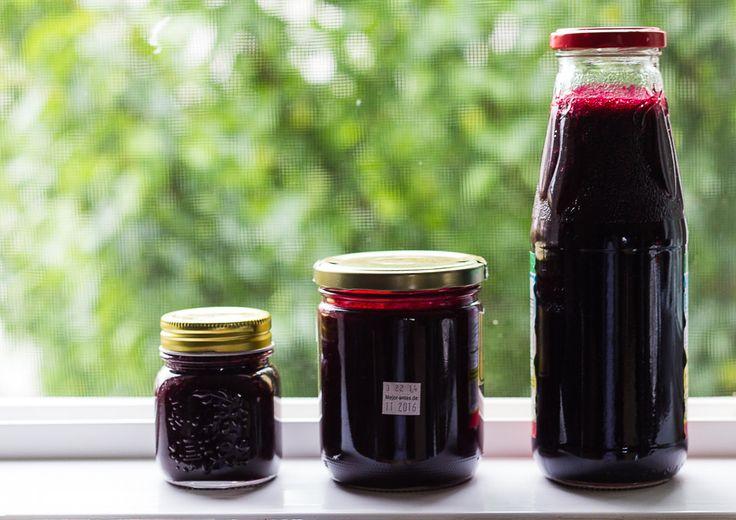 How to Make Your Own Blackcurrant Syrup (Ribena)