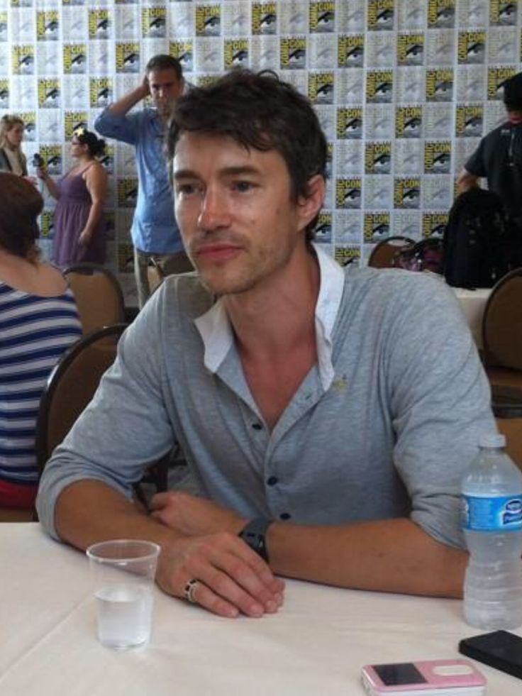 vanessa791:  Tom Wisdom at SDCC today with some of the Dominion cast & showrunner, Vaun Wilmott. Pics do not belong to me. OMG, could he be more adorable or beautiful? ❤️❤️❤️   They are all awesome and I want to keep them!