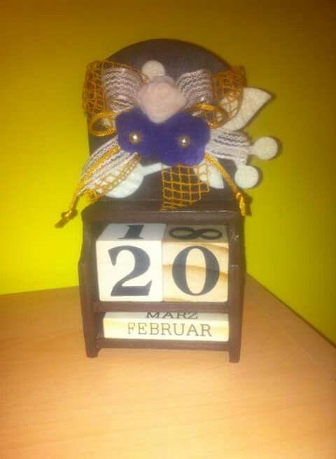 Calendario in legno