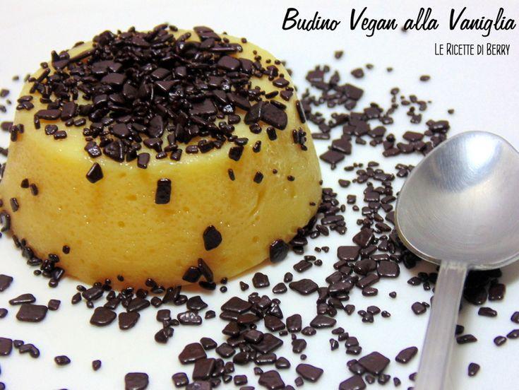 Il budino di sia alla vaniglia è un dessert gustoso e molto leggero, perfetto per un dolce finale a una cena raffinata o una merenda veg per i bambini.