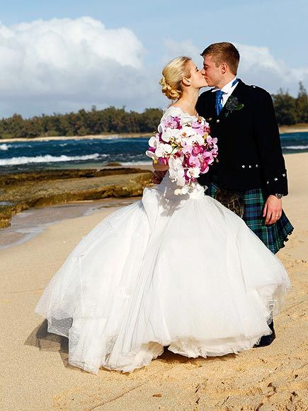 Elizabeth Smart's wedding in Hawaii - I LOVE the over the top bouquet!  I love her dress! And am so happy that she found her prince charming!!  I think this is wonderful, so happy for them both