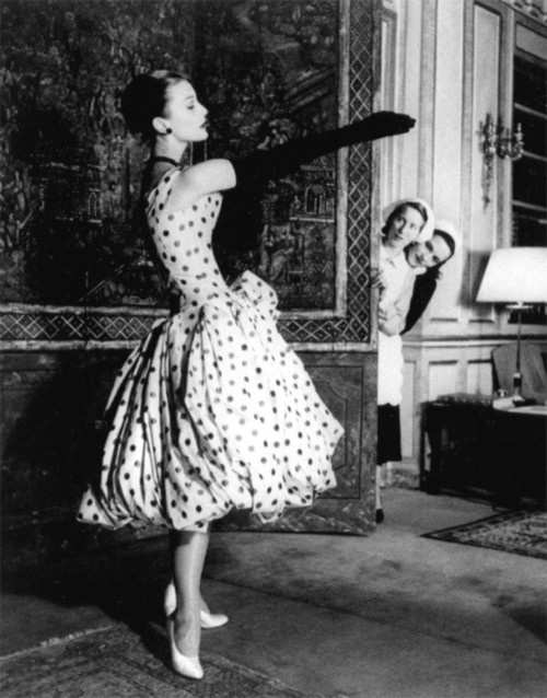 #dior 1955Paris Fashion, Vintage Dior, Polka Dots, Vintage Fashion Photography, Christian Dior, Dior Dresses, Jane Russell, 1950, The Dots