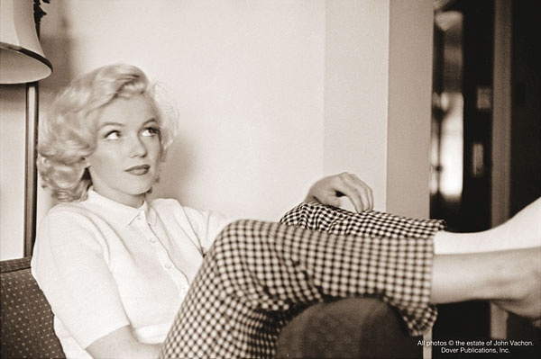 Candid Marilyn.Marilyn Monroe Photos, Beautiful, New Book, Marilynmonroe, Norma Jeans, Icons, People, John Vachon, Pictures Quotes