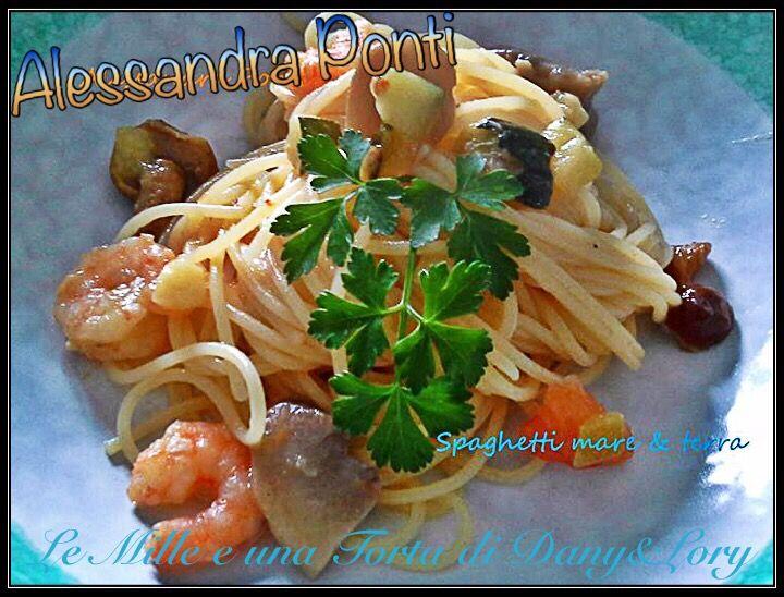 RICETTA DI: ALESSANDRA PONTI Ingredienti; 1 zucchina, code di mazzancolle, funghi porcini, prezzemolo, aglio, olio piccante, curry, vino bianco o brandy, p