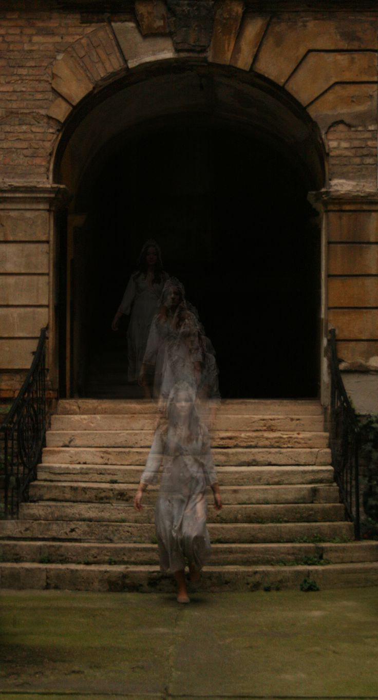Ghost costume Facebook: www.facebook.com/... Instagram: instagram.com/... E-mail: tandi92tth@gmail.com