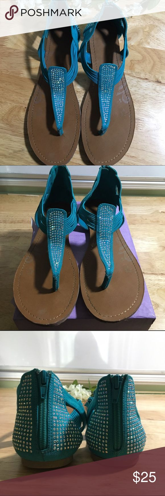 Teal Diamond Sandals Teal sandals with diamond details. Great condition sandals and comfortable fit! If you have any questions please let me know! Shoes Sandals
