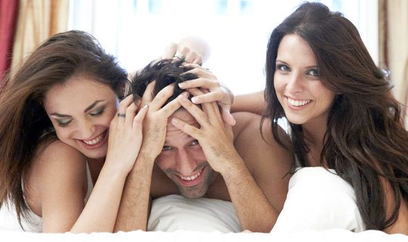 How to organize a threesome: http://www.zero-in.eu/threesomes/4592556294
