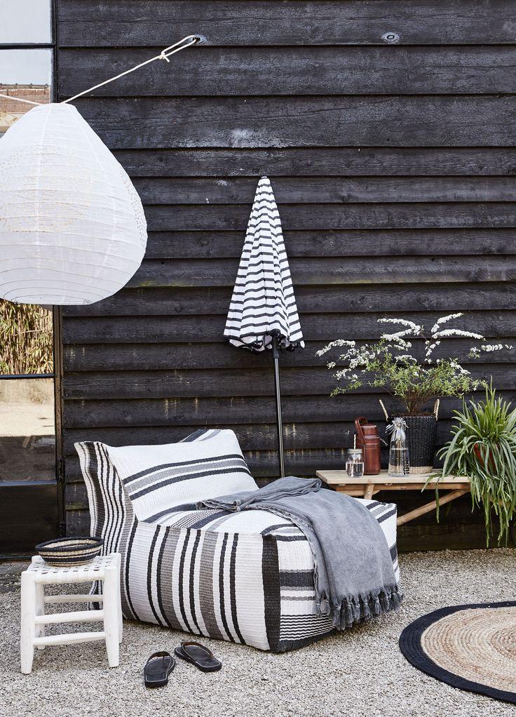 Gestreept relax stoel | Striped chair | HK Living