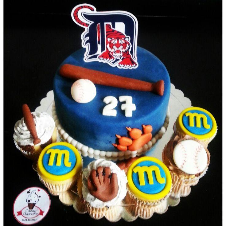 #cake #cupcakes #cupcakespersonalizados #detroittigersinc #detroittigers #tigresdedetroit #navegantesdelmagallanes #beisbol #baseball #bate #guante #pelota #fondant #hechoamano #cakedesigner #cakery #bakery #elregaloperfecto #ilovecupcakes #cupcakelover #foodies #foodporn #instacake #instacupcake #cupcaketagram #caketagram #hechoenValencia #cacaocupcake #handmade