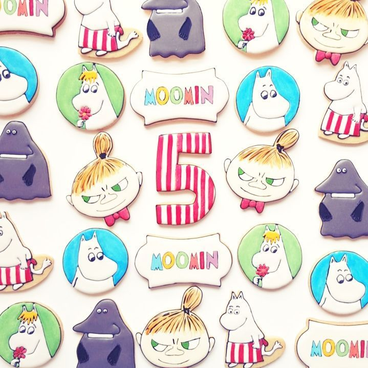 Moomin cookies designed by 'Frosted by Nicci'.