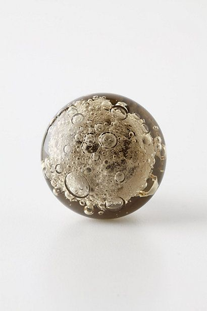 I LOVE these little drawer knobs for the bathroom. Little bubbles :)  What a great idea. They come in 4 colors too!