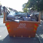 Need cheap skip hire? Whether you need a 4 yard mini, an 8 yard midi, or a 14 yard maxi skip contact us now for a quick quote. http://skiphireprofessionals.uk