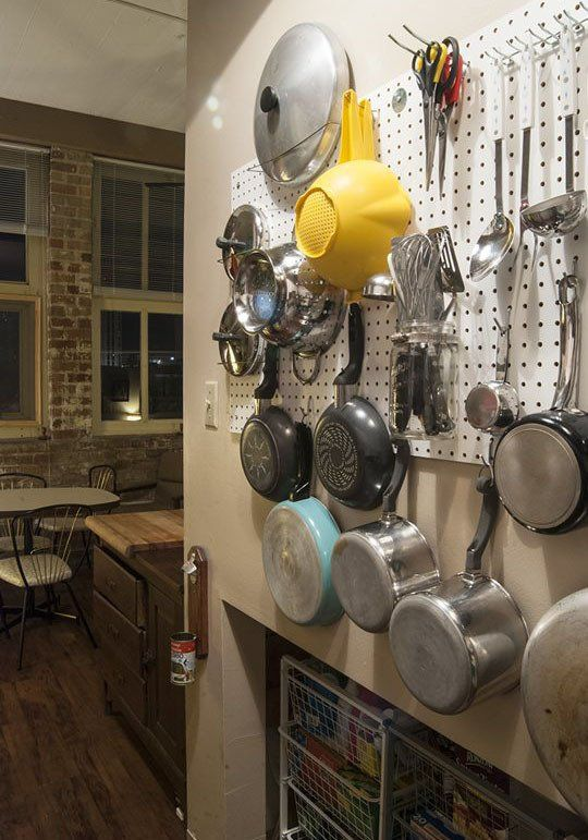 I had a pegboard in the kitchen in my last apartment and LOVED it.  Wish I had room for one here
