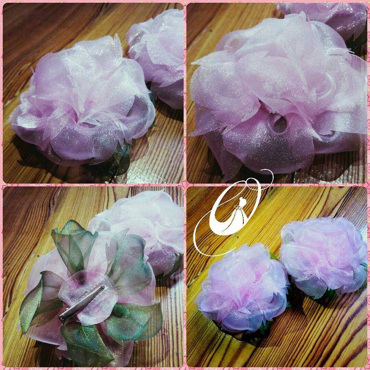 Все готовы к 1сентября?  Мы да! ✅  Цветочные🌸 банты 🎀 - белые на праздник, а розовые на каждый день. Крепление на резиночке или на заколке... Уже совсем скоро увидим маленьких принцесс 👸 во всей красе! #bow #Oligotte #первыйразвпервыйкласс  ПишитеВviber0964545606илиfacebook/Oligotte #цветокизткани #цветокназаказ #шелковыйцветок #украшениецветок #бант #бантик  #цветоквприческу #первоесентября #цветыручнойработы #заколкацветок #квітка #handmade #acsessories #handmadeaccessory #exclusive…