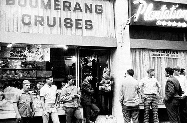 R & R Servicemen, Kings Cross 1970-71   Rennie Ellis Photographic Archive
