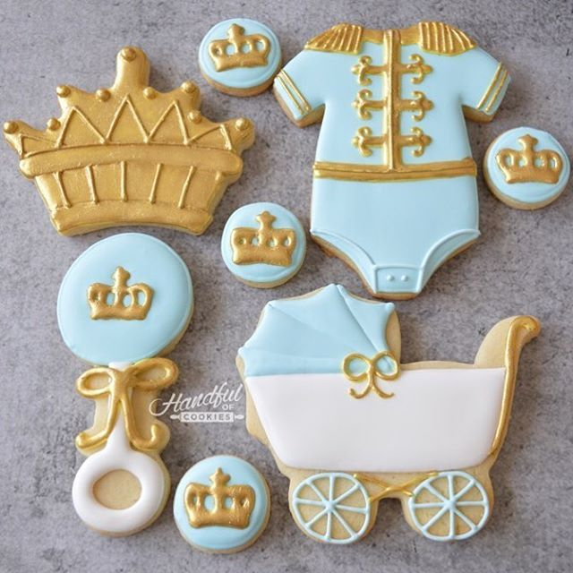 Little prince baby shower theme styled by @hillcountryplanning #babyshower #handfulofcookies