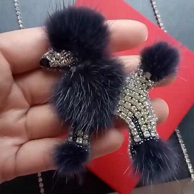 Автор @royal_chic_54 〰〰〰〰〰〰〰〰〰〰〰〰〰〰 По всем вопросам обращайтесь к авторам изделий!!! #ручнаяработа #брошьизбисера #брошьручнойработы #вышивкабисером #мастер #бисер #handmade_prostor #handmadejewelry #brooch #beads #crystal #embroidery #swarovskicrystals #swarovski #купитьброшь #украшенияручнойработы #handmade #handemroidery #брошь #кольеручнойработы #кольеизбисера #браслеты #браслетручнойработы #сутажныеукрашения #сутаж #шибори #полимернаяглина #украшенияизполимернойглины