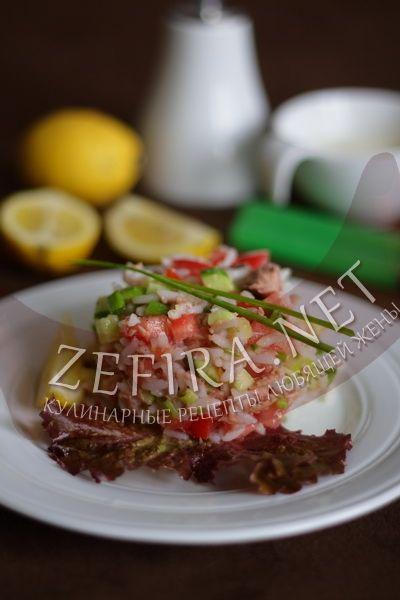 Рецепт салата из консервированного тунца с рисом